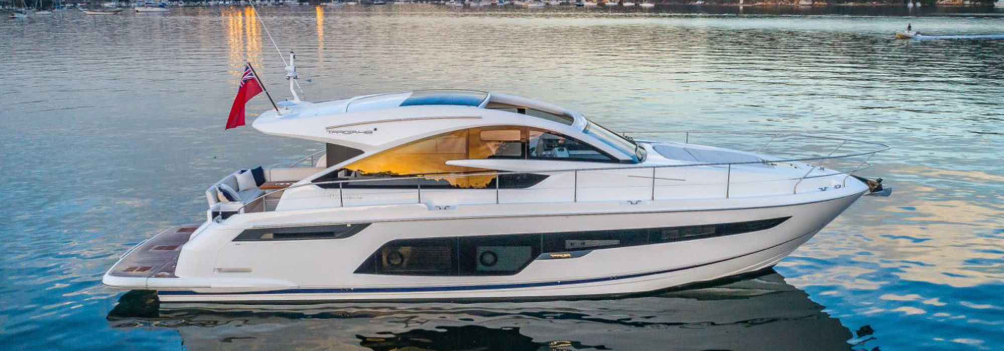 Fairline Targa 48 GT Express Cruiser Yacht
